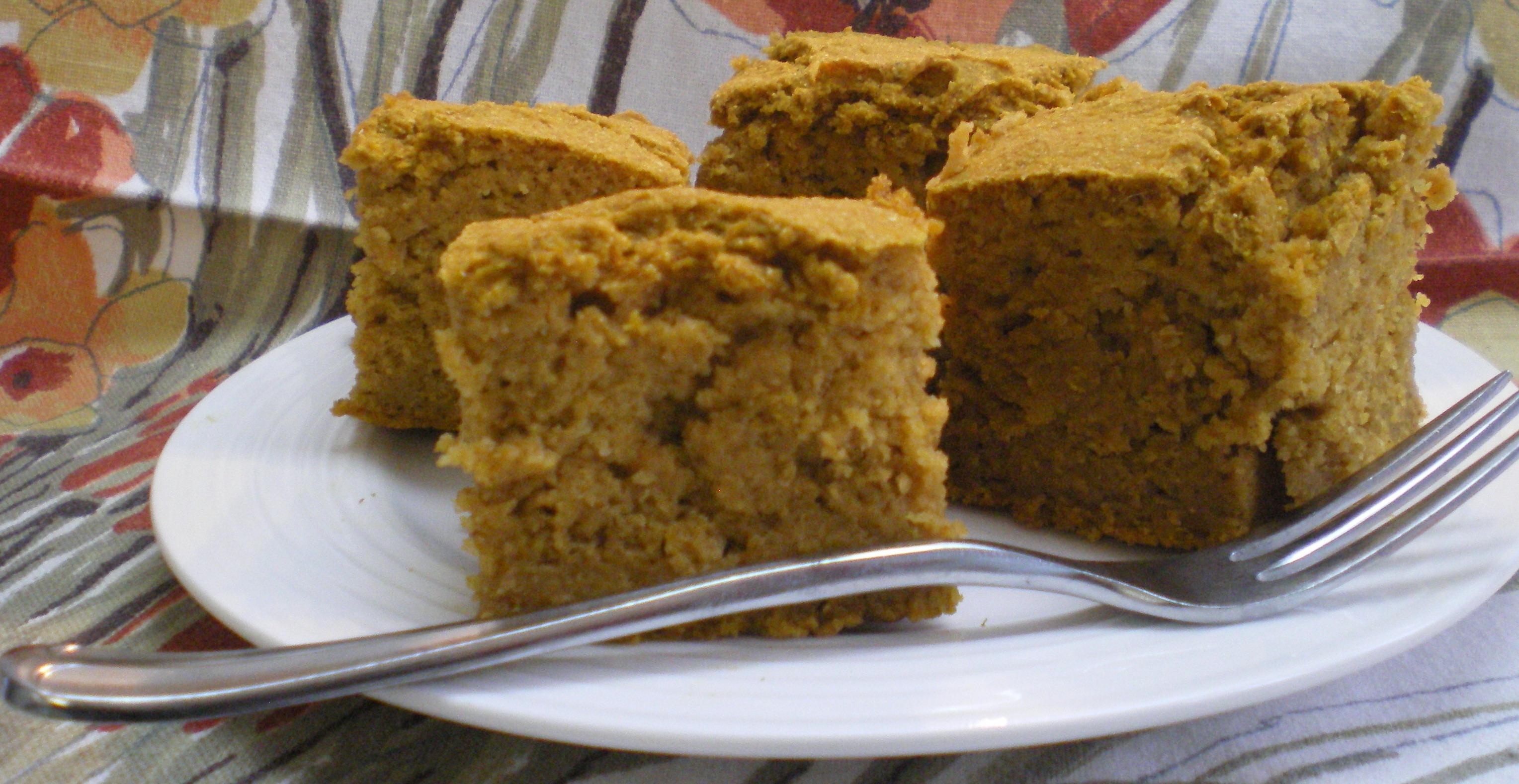 Pumpkin Cornbread Squares | The Food ReFashionista