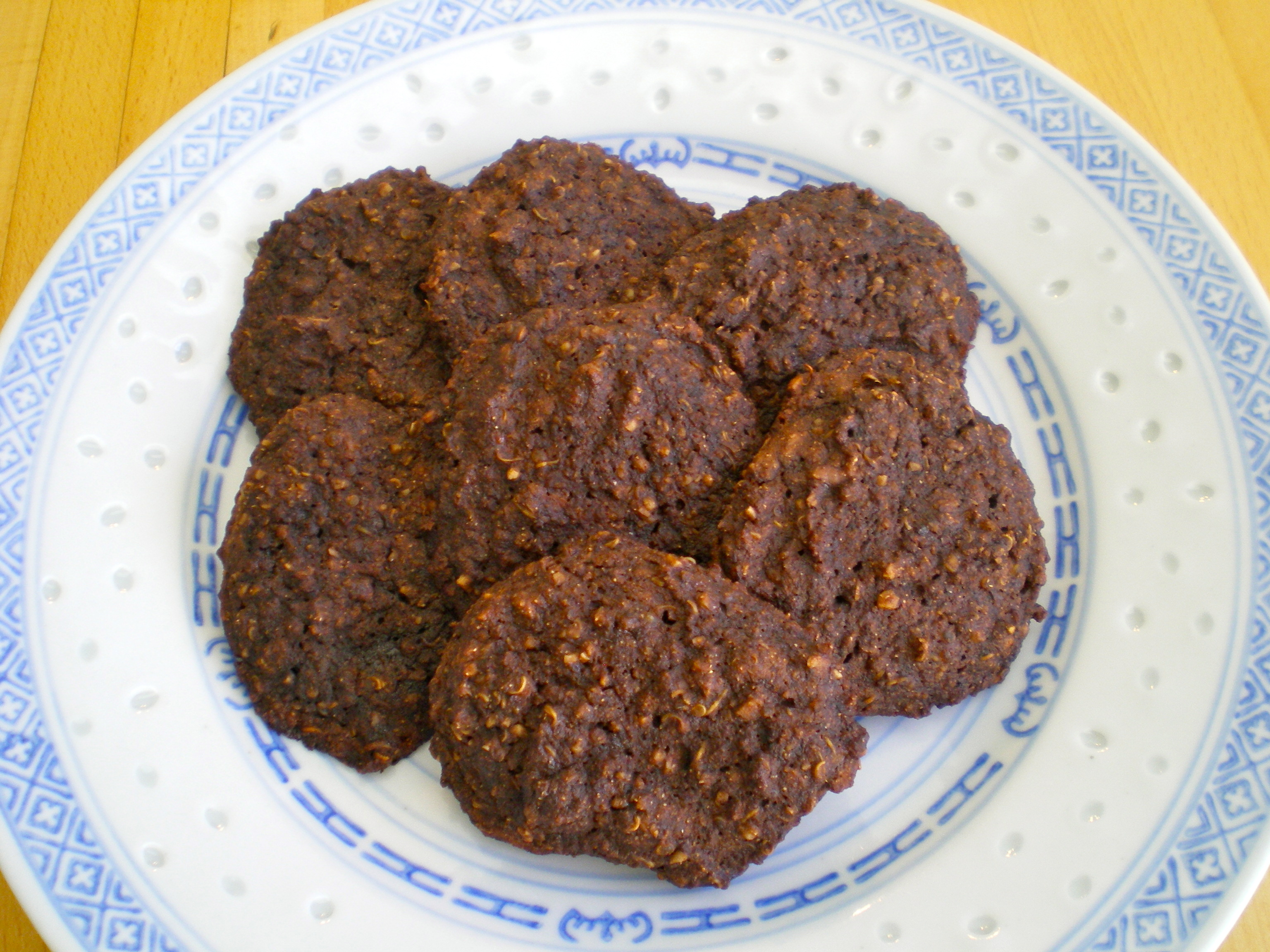 Protein-Packed Chocolate Quinoa Cookies | The Food ReFashionista